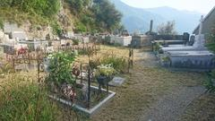Sigale, Friedhof
